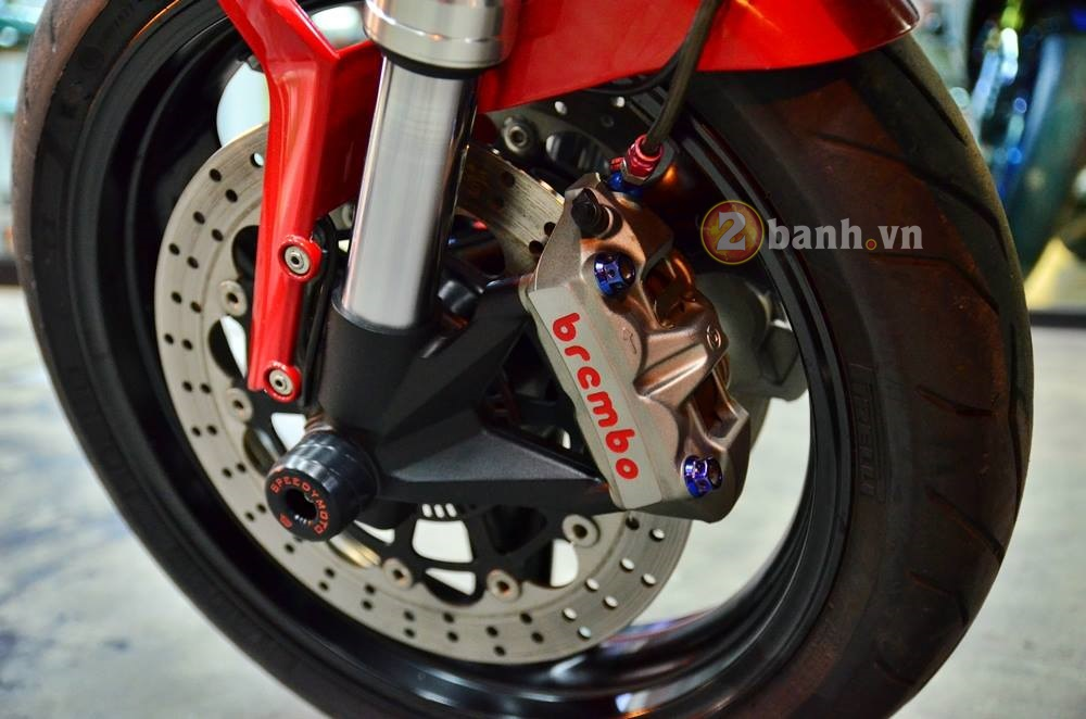 Ducati Monster 795 do don gian voi nhung mon do choi hang hieu - 7