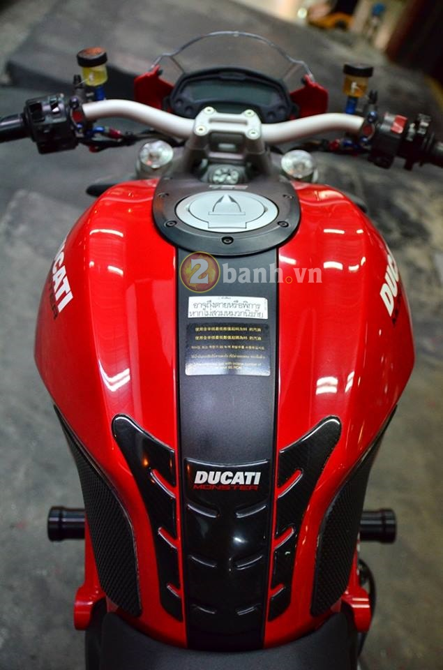 Ducati Monster 795 do don gian voi nhung mon do choi hang hieu - 6
