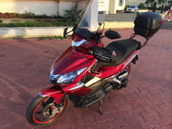 Honda AirBlade do don gian theo phong cach Touring - 6