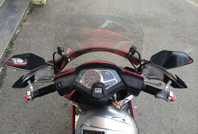 Honda AirBlade do don gian theo phong cach Touring - 5