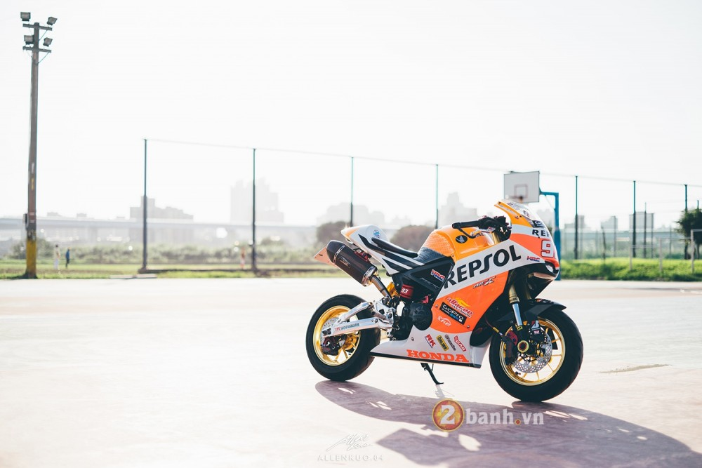Honda MSX do day chat choi voi phong cach Sportbike