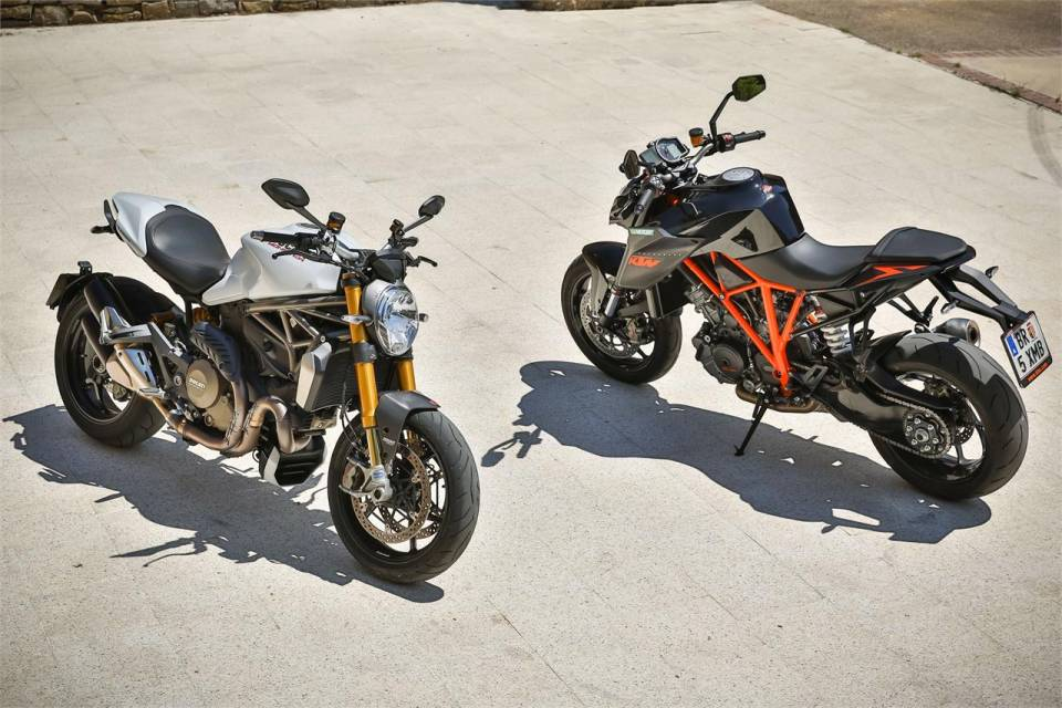 Ke tam lanh nguoi nua can KTM Duke Super 1290 R vs Ducati Monster 1200S - 12