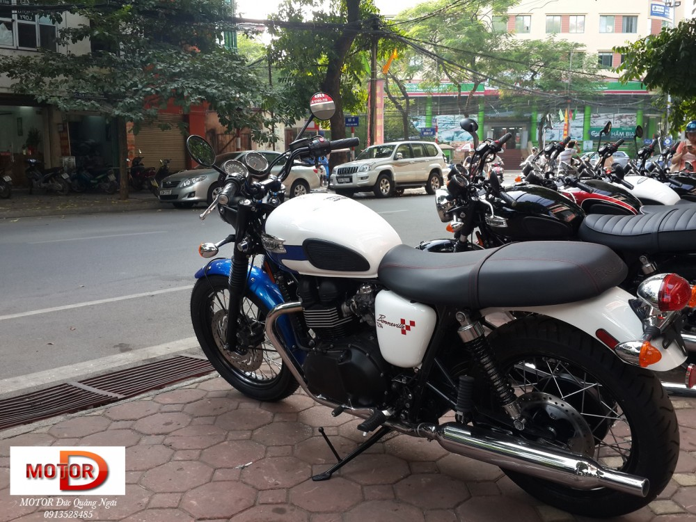 May em Triumph Bonneville vua ve doi - 4
