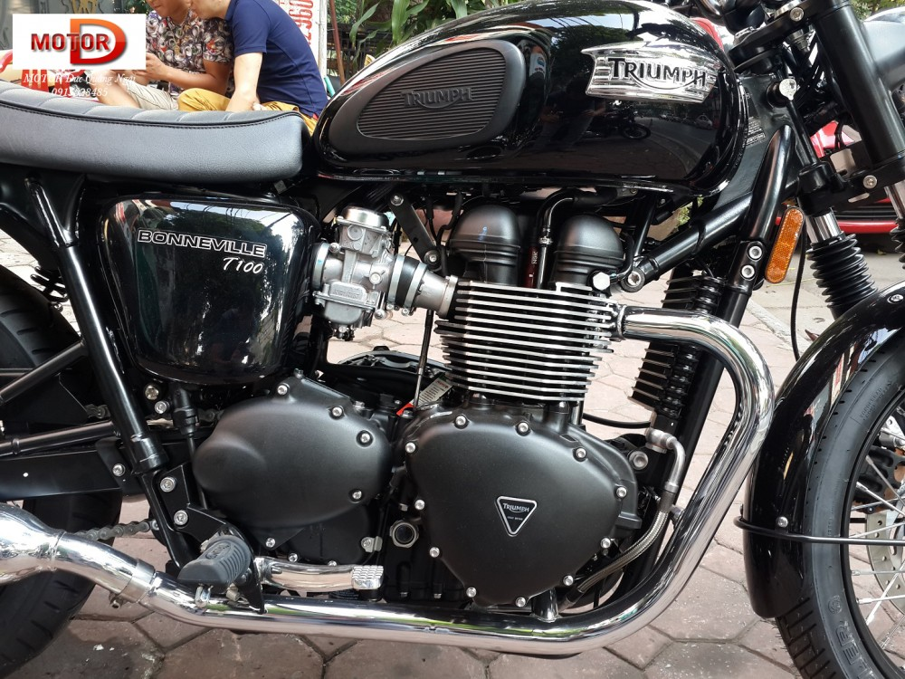 May em Triumph Bonneville vua ve doi - 6