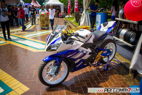 Yamaha R15 di mam do R3 tai Indonesia - 5