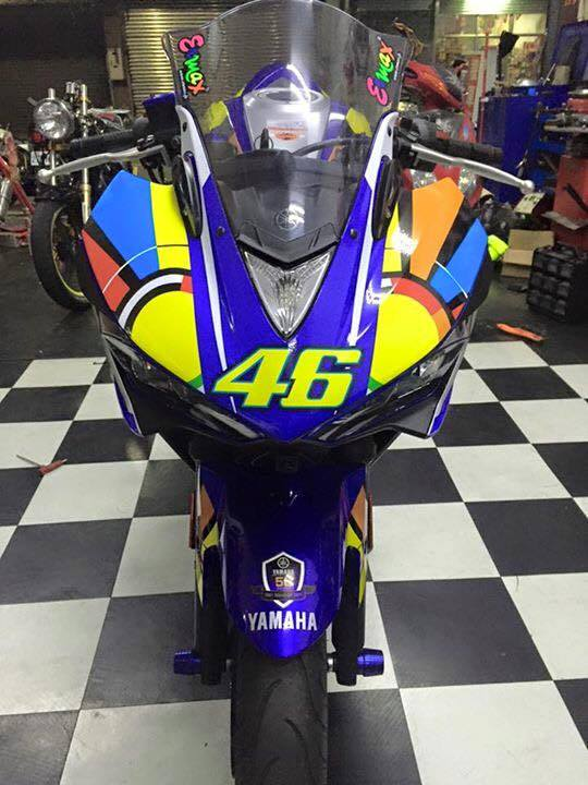 Yamaha R3 voi phong cach Valentino Rossi - 2