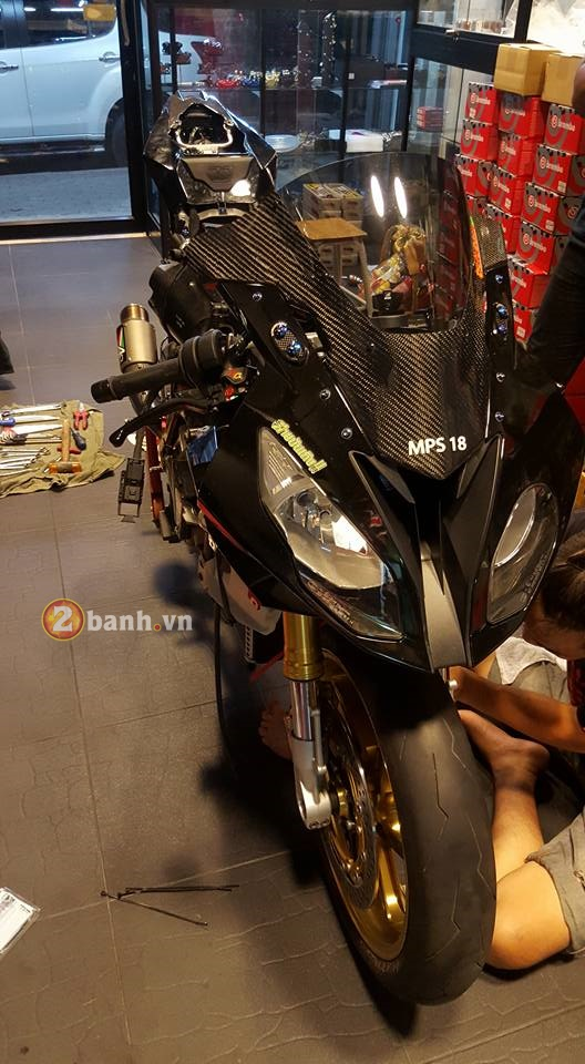BMW S1000RR 2015 do cuc chat khi duoc gac len do choi khung - 2