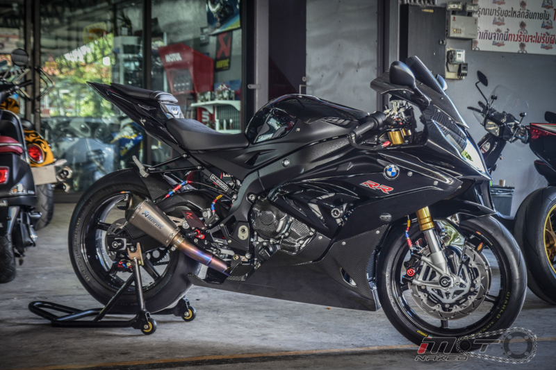 Can canh BMW S1000RR 2015 do khung voi phien ban Black step Racing Performance - 2