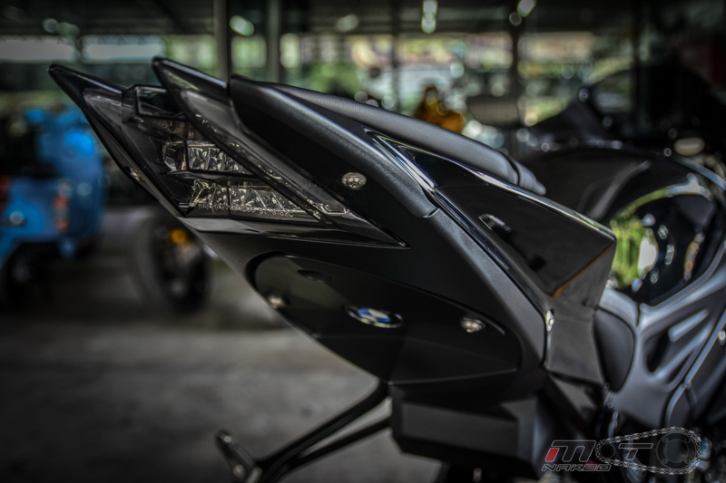 Can canh BMW S1000RR 2015 do khung voi phien ban Black step Racing Performance - 18