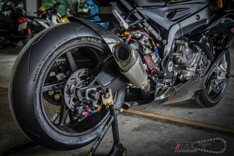 Can canh BMW S1000RR 2015 do khung voi phien ban Black step Racing Performance - 20