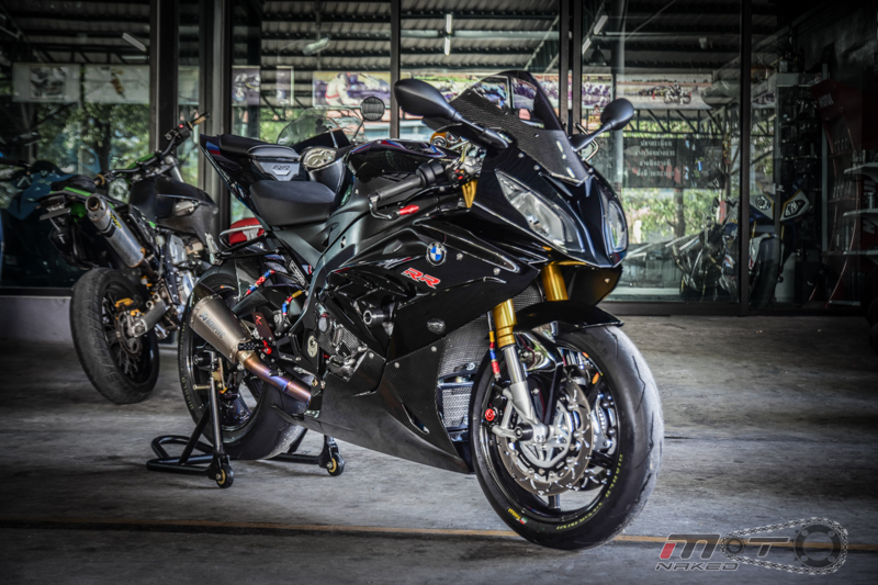 Can canh BMW S1000RR 2015 do khung voi phien ban Black step Racing Performance - 27