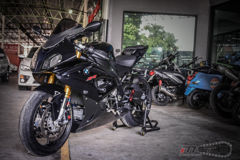 Can canh BMW S1000RR 2015 do khung voi phien ban Black step Racing Performance - 28