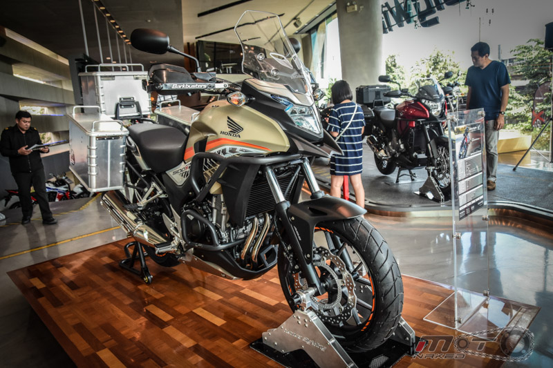 Can canh Honda CB500X 2016 mau adventure tam trung an tuong tai Motor Expo 2015 - 6