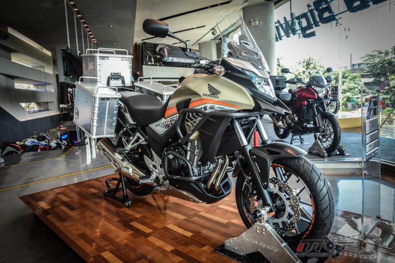 Can canh Honda CB500X 2016 mau adventure tam trung an tuong tai Motor Expo 2015 - 7