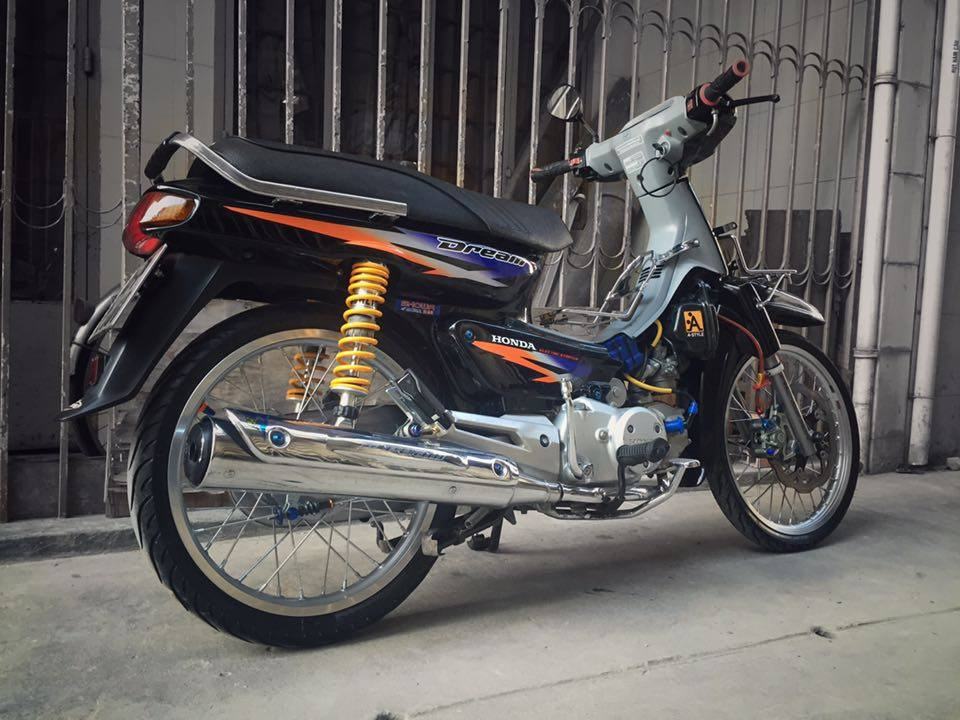 Can canh ve dep cua con Dream lun 125 ngay nay - 3