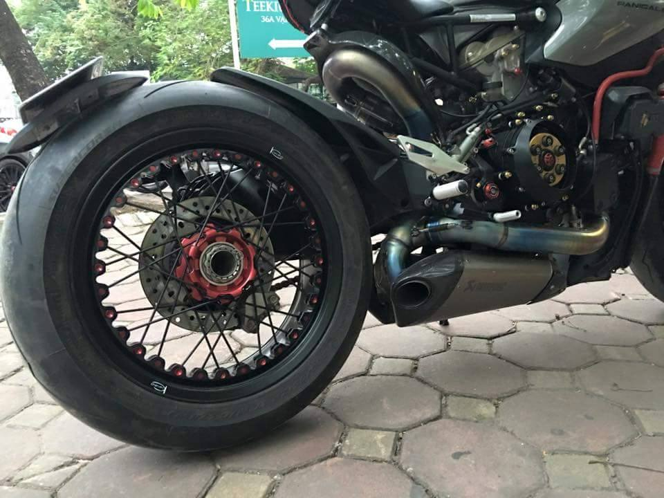 Ducati 1199 Panigale S do kich doc voi phong cach Streetfighter - 6