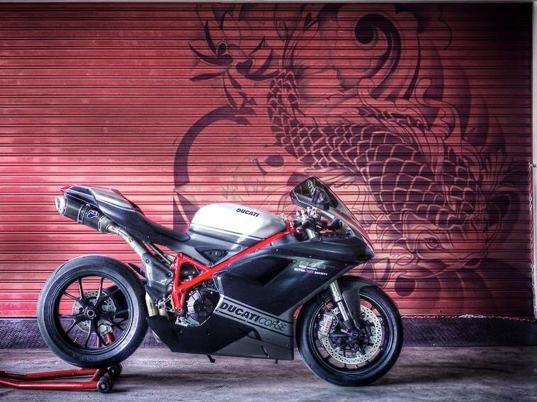 Ducati 848 EVO Corse SE do day phong cach tren dat Thai - 15