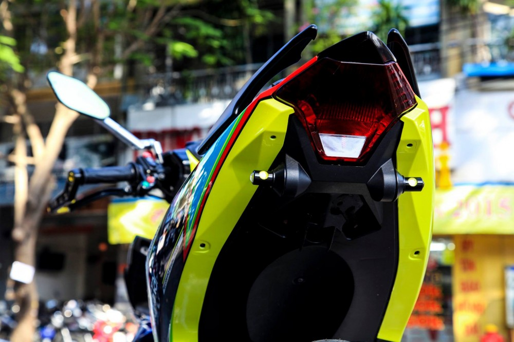 Exciter 150 do phong cach Rossi cua biker Thai Nguyen - 3