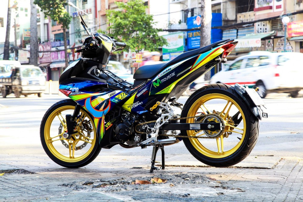 Exciter 150 do phong cach Rossi cua biker Thai Nguyen - 5