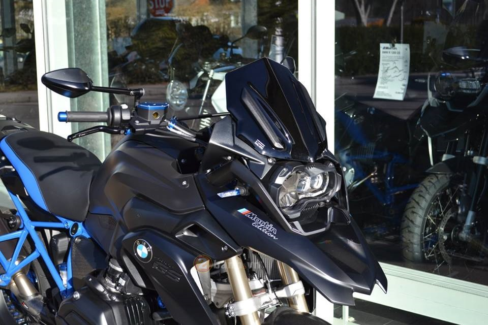 La mat voi chiec BMW R1200GS do tu Martin Edition - 3