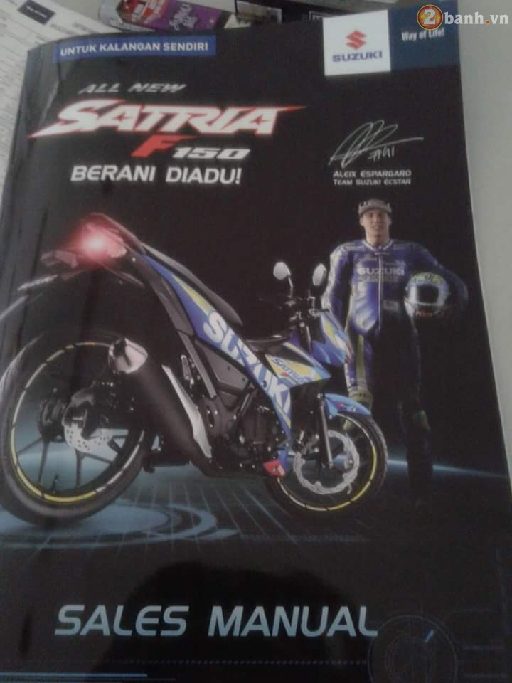 Lo thong tin cu the cua Suzuki Satria F150 Fi 2016 moi tren Catalog