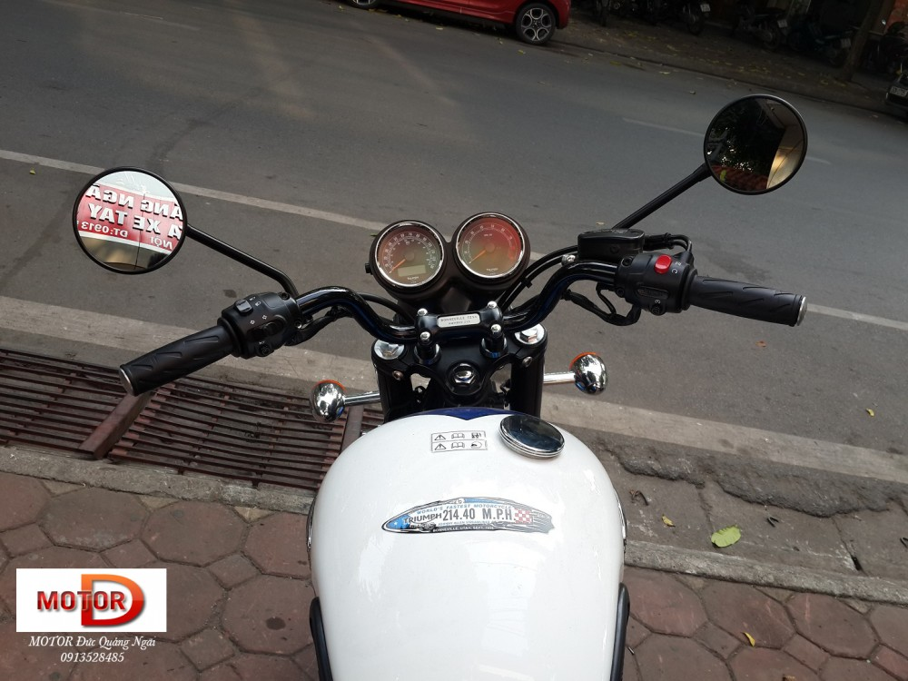 May em Triumph Bonneville vua ve doi - 5