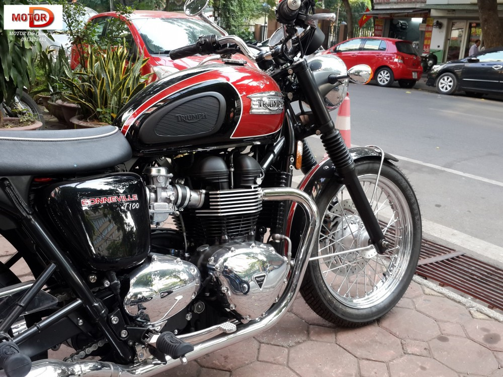 May em Triumph Bonneville vua ve doi - 8