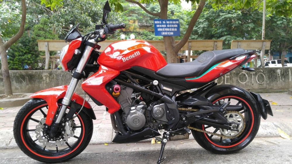 Ha NoiBan PKL BENELLI 302 mau do doi 2015 moi keng