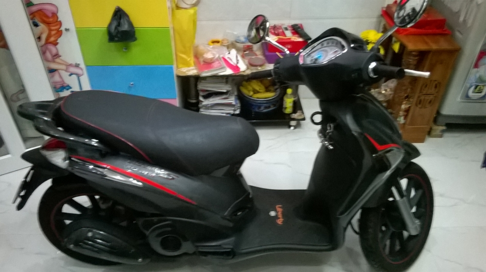 XE LIBERTY 125 3V ie S MAU DEN VIEN DO 2015 - 4