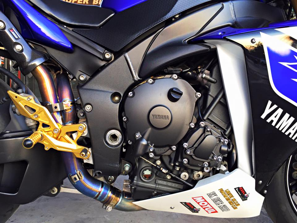 Yamaha R1 do nhe vai mon do choi noi bat tai Thai Lan - 7
