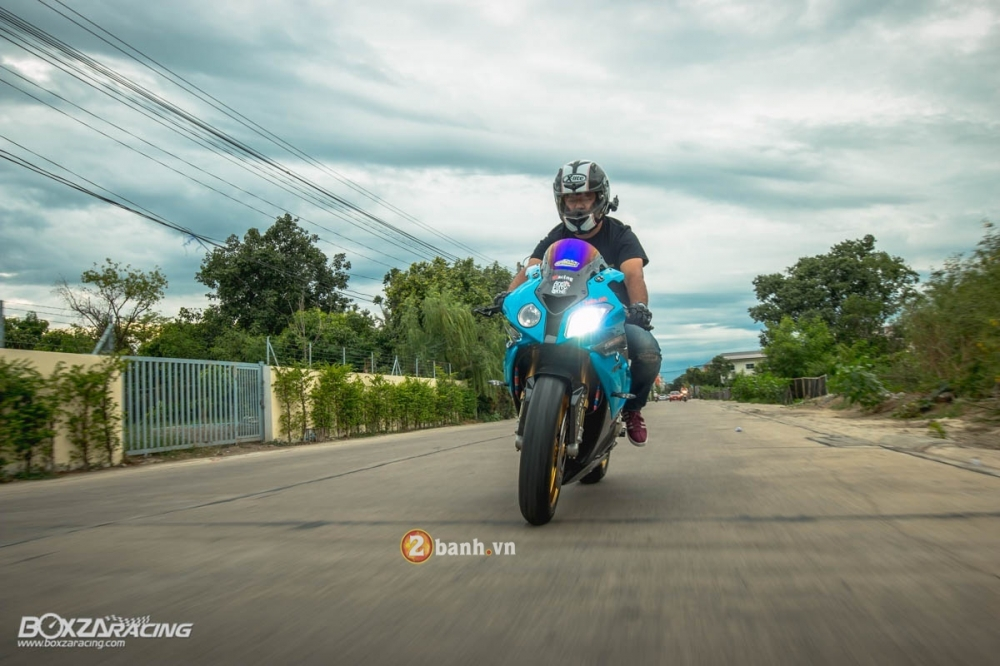 BMW S1000RR day kich thich voi phien ban do sieu chat - 25