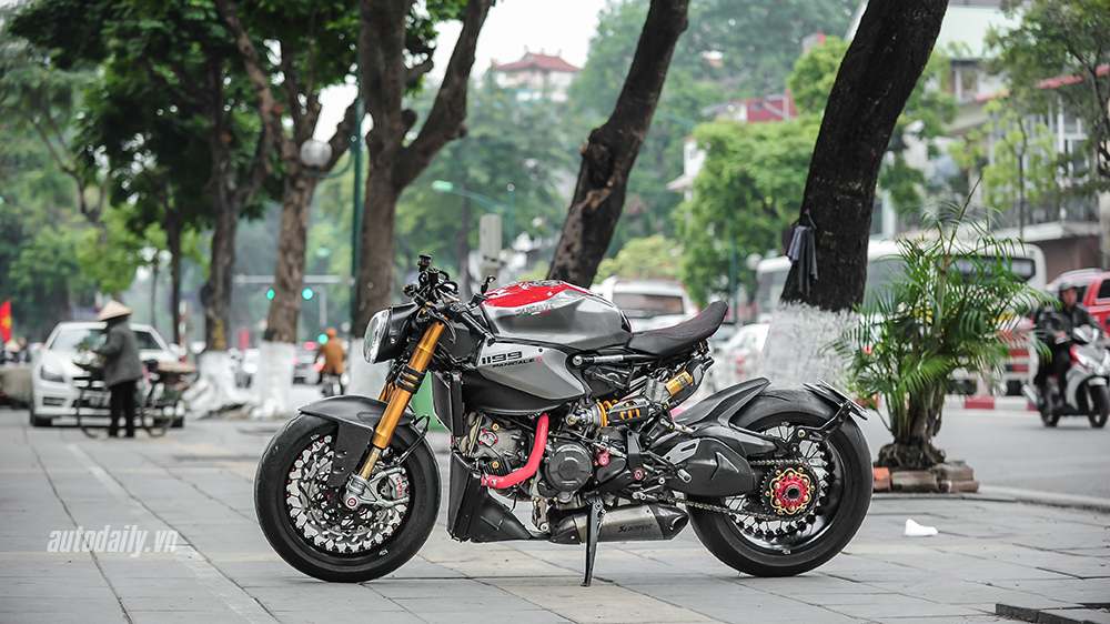 Can canh Ducati 1199 Panigale S do Cafe Racer doc dao tai Ha Noi - 4
