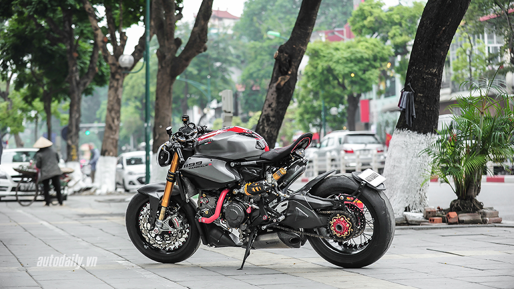 Can canh Ducati 1199 Panigale S do Cafe Racer doc dao tai Ha Noi - 6