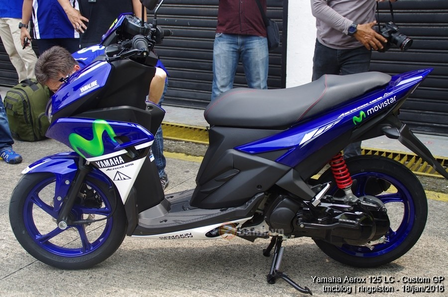 Can canh Yamaha Aerox 125 Movistar 2016 - 8