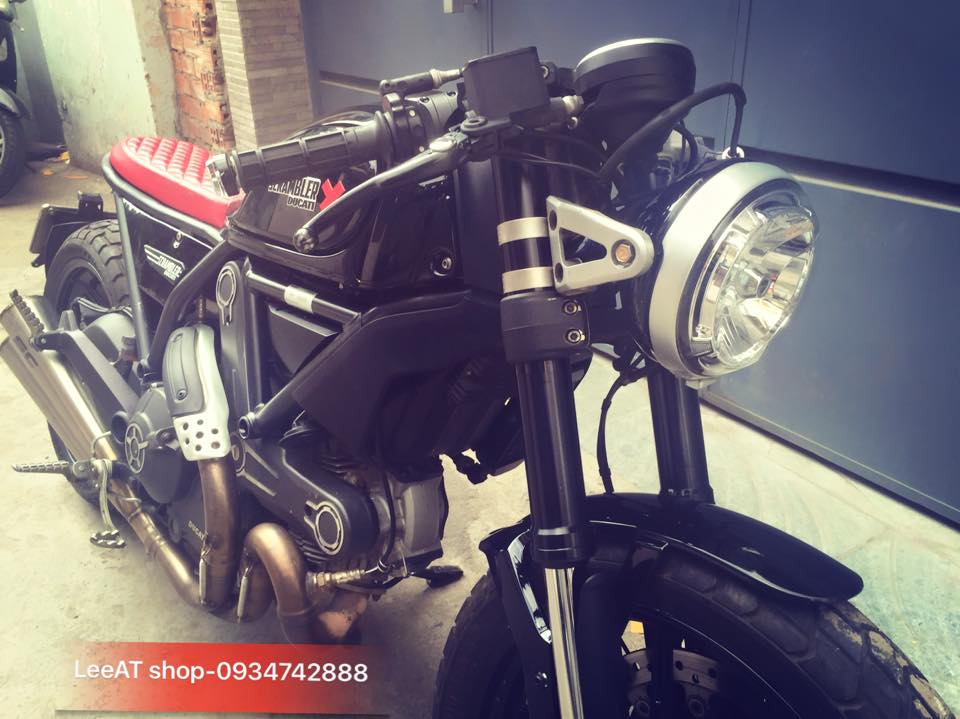 Ducati Scrambler Icon do cuc chat voi phong cach Cafe Racer tai Viet Nam - 4