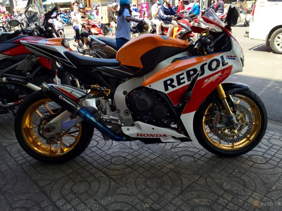 Honda CBR1000RR SP Repsol 2015 do cuc chat tai Sai Gon - 8