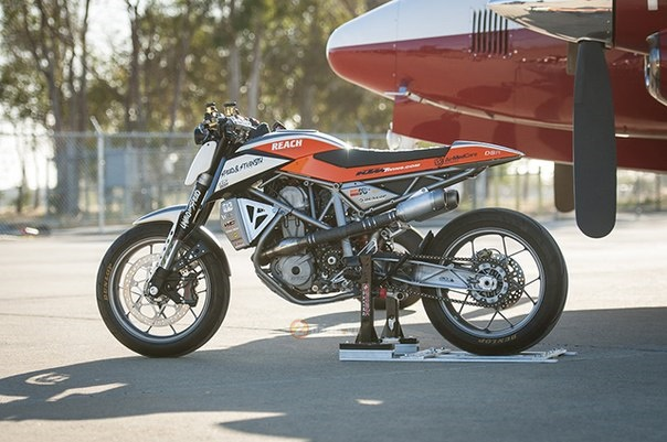 KTM 690 Duke do kich doc voi phong cach Supermotard - 9