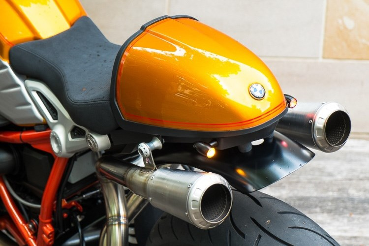 BMW R Nine T noi bat voi ban do xe dua Cafe Racer co dien - 6