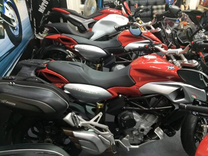showroom motorken co uu dai lon MV AGUSTAR REVELE 800CC xe thung - 2