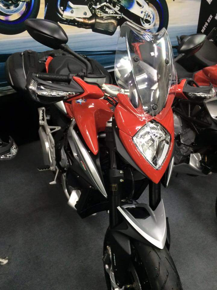 showroom motorken co uu dai lon MV AGUSTAR REVELE 800CC xe thung - 10