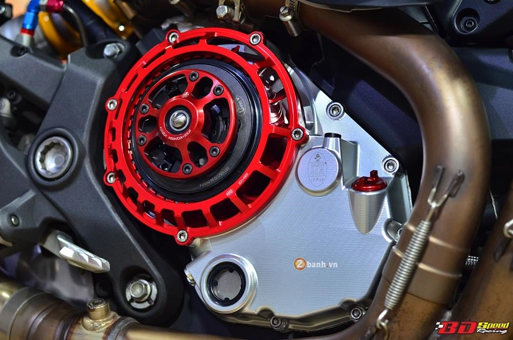 Ducati Monster 1200S do phong cach cung ve ngoai day an tuong - 4
