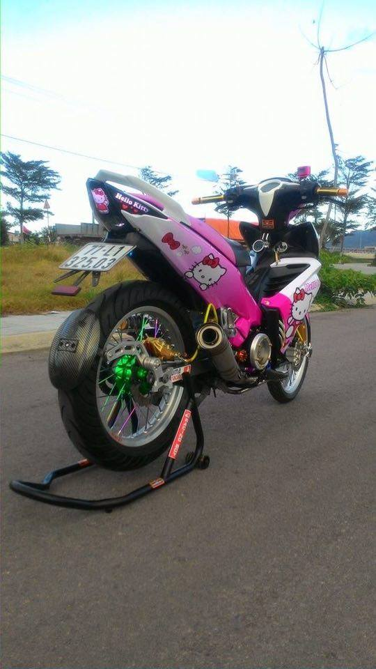 Exciter 135 do phong cach Hello Kitty ca tinh - 2