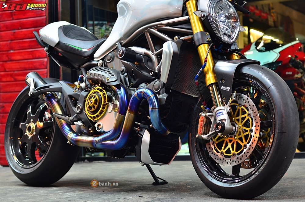 Ducati Monster 1200 do sieu khung voi loat do choi dat gia - 9