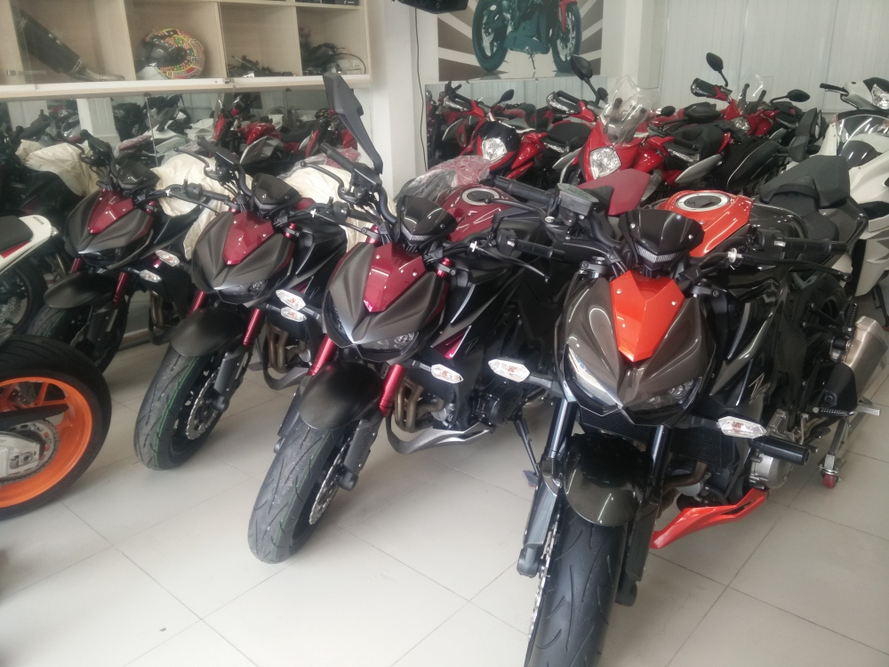 Showroom Motor Ken z1000 than thanh 2016 da co mat tai cua hang - 4