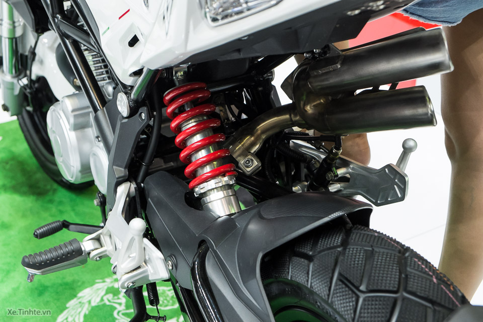 Can canh Benelli TNT Naked T135 vua duoc ra mat - 8