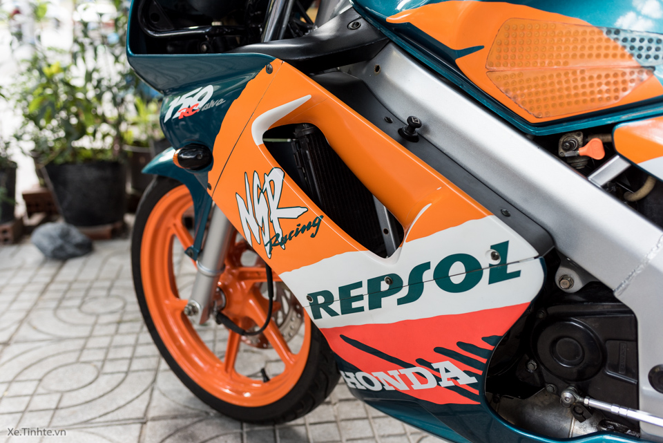 Can canh hang hiem Honda NSR150SP Repsol doi 1995 - 15