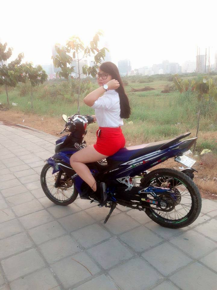 Chiec Exciter 135 che nhua so ke cung nguoi dep - 2