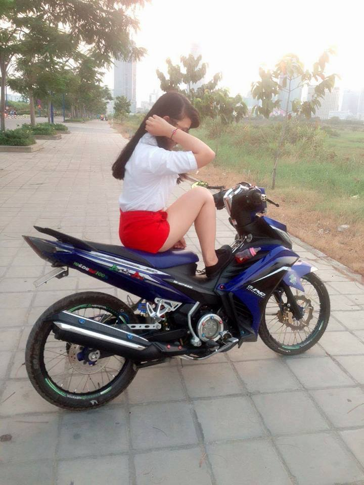Chiec Exciter 135 che nhua so ke cung nguoi dep - 4