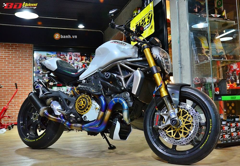Ducati Monster 1200 do cuc khung cung dan do choi dat tien - 2