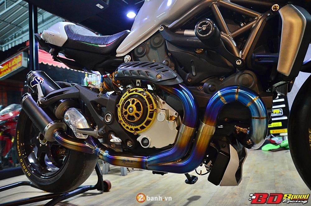 Ducati Monster 1200 do cuc khung cung dan do choi dat tien - 11
